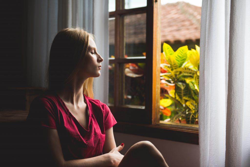 Planific - Prendre le temps de ne plus penser, de méditer, le matin prendant sa routine matinale, de temps en temps dans la journée ou le soir