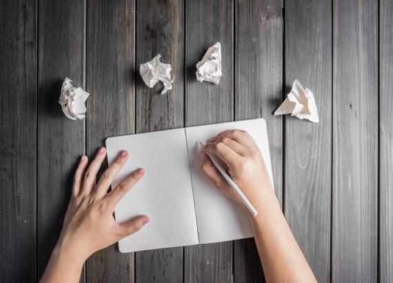 Arrache la page et recommence à partir d'une page blanche